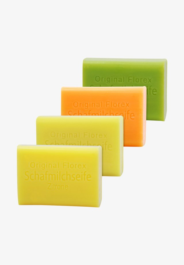 SCHAFMILCHSEIFEN SET ZITRONE GRAPEFRUIT ORANGE LIMETTE + LUFFA S - Soap bar - -