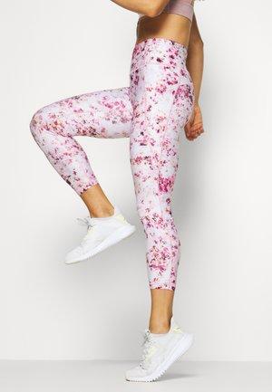 SIDE POCKET ANKLE PANT - Medias - bold pink