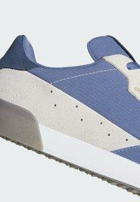 adidas Performance - SCARPE ADICROSS RETRO SPIKELESS - Golf shoes - blue - 6