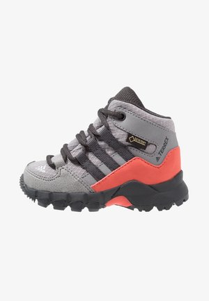 TERREX RELAXED SPORTY GORETEX MID SHOES - Hiking shoes - grey three/carbon/matt silver
