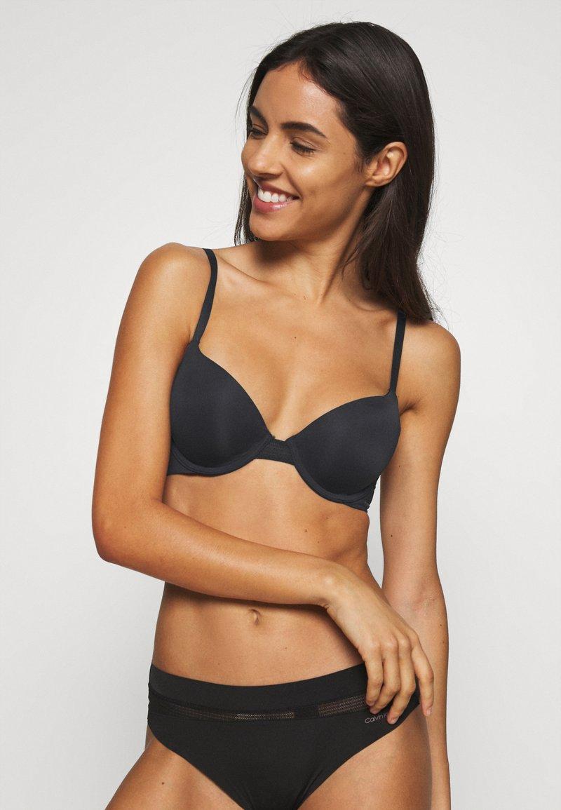 Calvin Klein Underwear - INFINITE FLEX LIGHTLY LINED DEMI - T-shirt bra - black