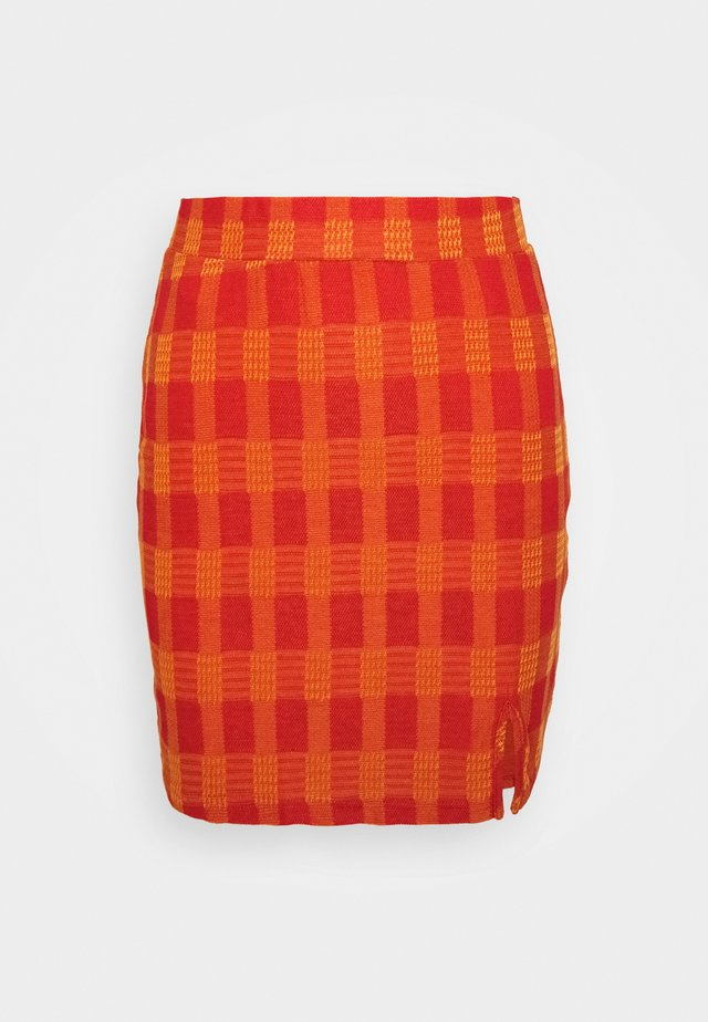 MINI SKIRT WITH SIDE SPLIT - Spódnica ołówkowa  - red/orange