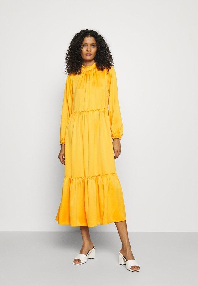 GATHERED NECK A-LINE DRESS - Sukienka letnia - mustard