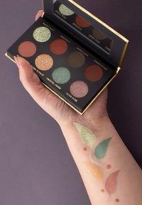 Luvia Cosmetics - HIDDEN FOREST - Eyeshadow palette - - - 3