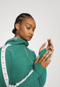 Eivy - ICECOLD ZIP HOOD - Long sleeved top - green - 4