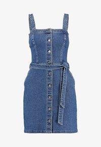 Hollister Co. - SHORT DRESS - Robe en jean - blue denim - 6
