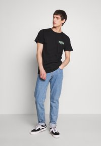 Dedicated - STOCKHOLM GOOD HANDS - Print T-shirt - black - 1