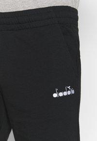Diadora - SHORT CORE - Sportovní kraťasy - black - 4