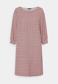 comma - KURZ - Day dress - red - 0