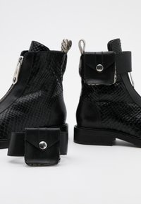 Billi Bi - Cowboy/biker ankle boot - black - 5