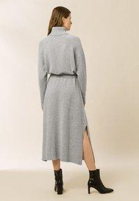 IVY & OAK - ROSE KAMELA  - Maxi dress - oyster grey melange - 2