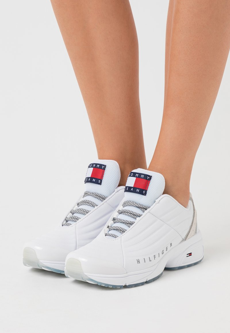 Tommy Jeans - HERITAGE - Trainers - white