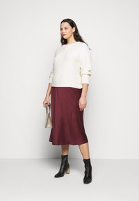 CAPSULE by Simply Be - COLUMN MIDI SKIRT - A-line skirt - merlot - 1