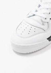 adidas Originals - RIVALRY - Trainers - footwear white/core black - 5