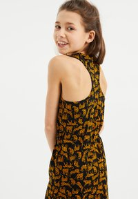 WE Fashion - MET PANTERDESSIN - Maxi-jurk - all-over print - 1