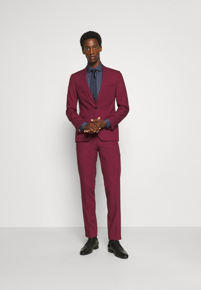 GOTHENBURG SUIT - Suit - ruby