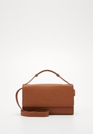 Clutches - caramel