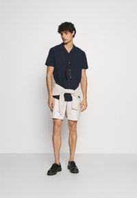 Selected Homme - SLHISAC - Shorts - rainy day - 1