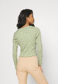 Monki - SANCY - Strikjakke /Cardigans - light green - 2