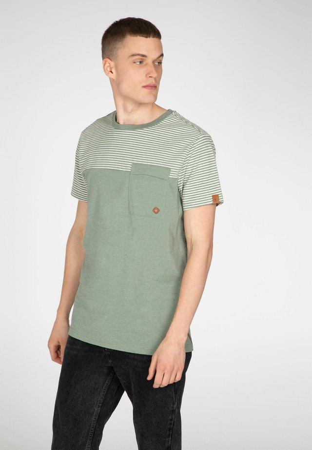 Print T-shirt - green spray