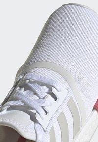 adidas Originals - NMD_R1  - Joggesko - footwear white/grey one/hazy rose - 9
