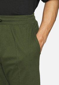 Newport Bay Sailing Club - SMART 2 PACK - Shorts - black/khaki - 5