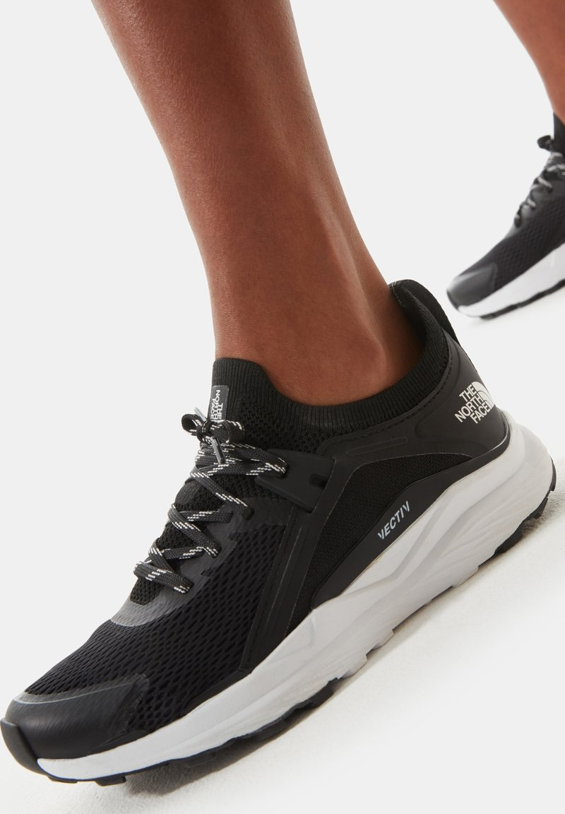 The North Face - W VECTIV HYPNUM - Hiking shoes - tnf black/tnf white