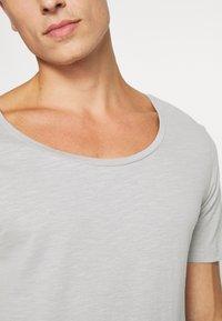 Pier One - T-shirt - bas - light grey - 5