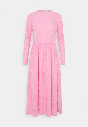CRINCKLE POP DOCCA - Day dress - pink/white