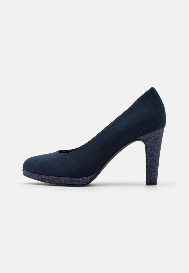 COURT SHOE - Zapatos altos - navy