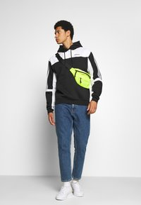 adidas Originals - CLASSICS HOODY - Hoodie - black/white - 1