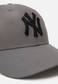 New Era - 940 NEW YORK YANKEES - Kšiltovka - silver - 3