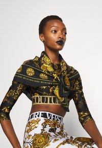 Versace Jeans Couture - REGALIA BAROQUE SCARF - Halsdoek - nero - 2