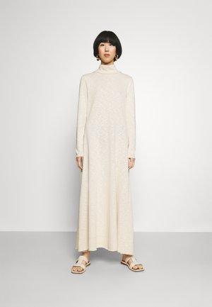 SELANA - Jumper dress - wood