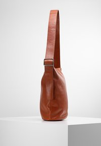 Vagabond - STOCKHOLM - Shopping Bag - cognac - 3