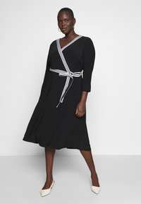 Lauren Ralph Lauren Woman - BENNETT DAY DRESS - Shift dress - black - 1