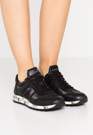 LUCY - Trainers - black