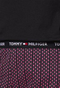 Tommy Hilfiger - SLEEP HOLIDAY SET - Pyjama set - desert sky - 5