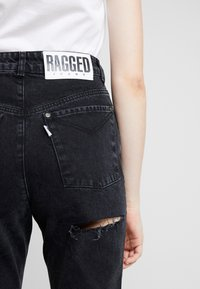 Ragged Jeans - BUTT CUT - Relaxed fit jeans - charcoal - 5