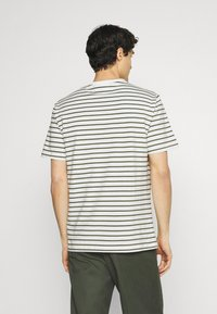 Casual Friday - TROELS - T-shirt print - olivine - 2
