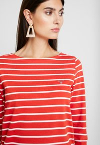 GANT - BRETON STRIPE BOATNECK JUMPER - Long sleeved top - blood orange - 4