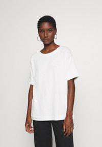 Esprit - BOXY TEE - Basic T-shirt - off white - 0