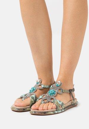 Sandály s odděleným palcem - aqua