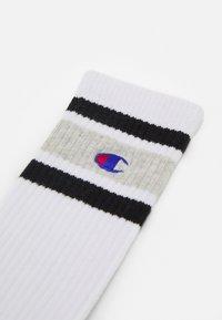 Champion - CREW 2 PACK UNISEX - Calcetines de deporte - white - 1