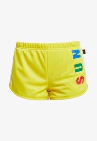 adidas Originals - PHARRELL WILLIAMS 3 STRIPES - Kraťasy - yellow - 4