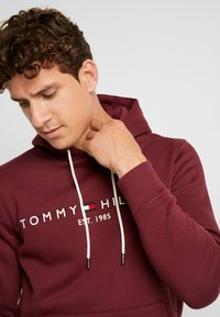 Tommy Hilfiger - LOGO HOODY - Sweat à capuche - red - 5