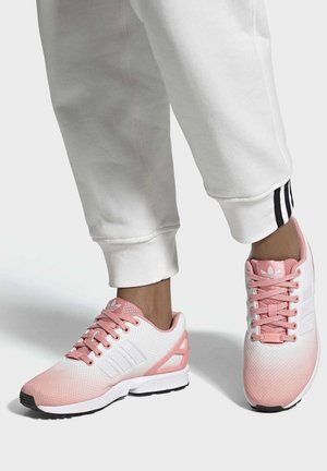 ZX FLUX SHOES - Trainers - pink