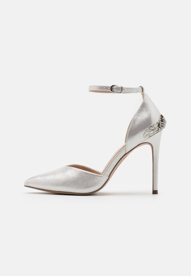 JOLENE - Zapatos altos - white