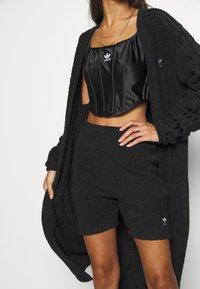 adidas Originals - LOUNGEWEAR SHORTS - Shorts - black - 3