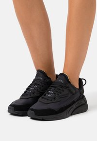 Diesel - SERENDIPITY S-SERENDIPITY LC W SNEAKERS - Trainers - black - 0